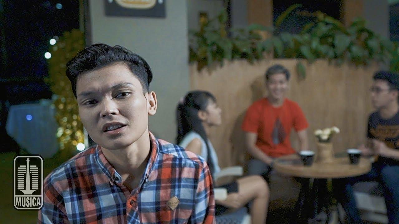 Download Adlani Rambe - Teman Buaya (Official Music Video)