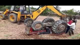 Viral Video:ट्रैक्टर के निचे दबे हुए आदमी को देखकर काँप जायेगा आपका शरीर , कमजोर दिल वाले इस वीडियो