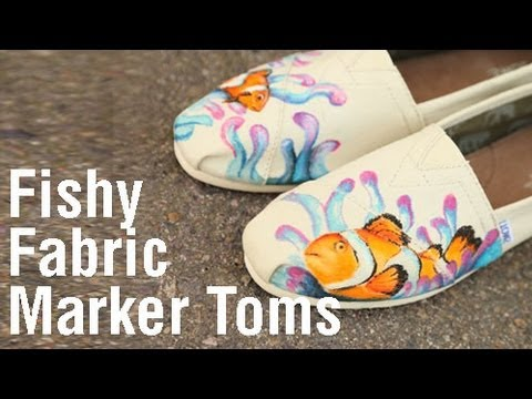 Personalize Your Shoes With Tulip Fabric Markers Youtube