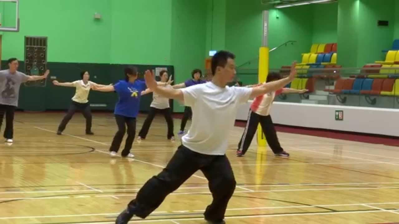 韓曉老師 健身氣功示範 八段錦 - YouTube