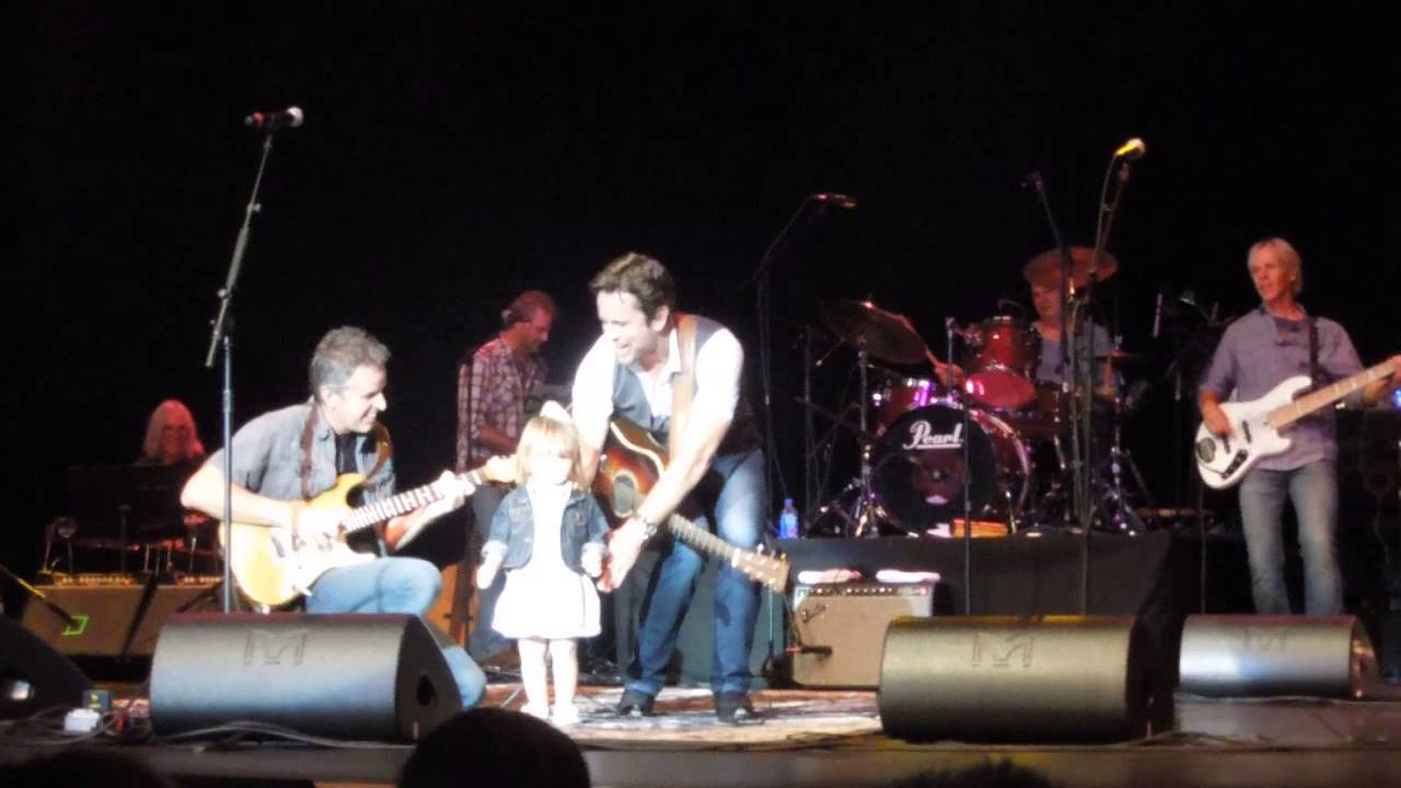 SixWire Band Guitarist does solo for daughter 9/5/15 - YouTube