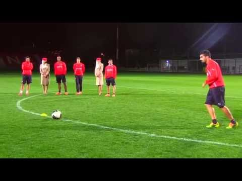 Olympiacos Crossbar Challenge | Emirates Airline