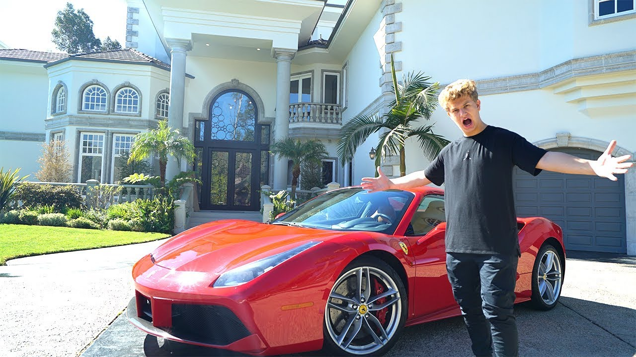 I BOUGHT A $350,000 FERRARI AT THE AGE OF 15 - YouTube
