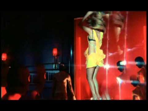 Hande Yener - Acele Etme - (Official Video)