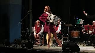 15 Карибский каприз  Мария Селезнева и Концертный оркестр г Абакана дирижер Андрей Штарк