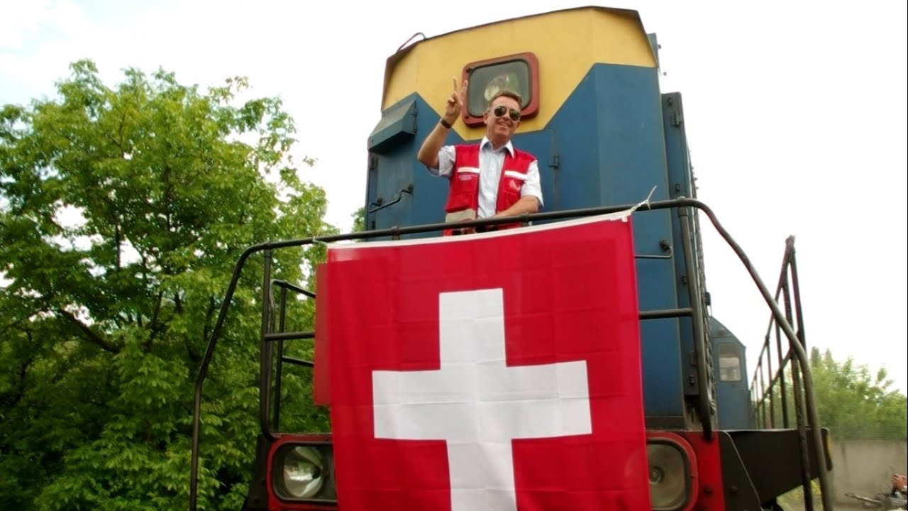 A Swiss humanitarian aid convoy delivered 500 tonnes of water treatment chemicals to Donetsk