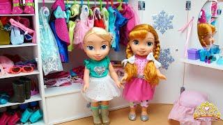 Coloco el ARMARIO de Elsa y Anna FROZEN con Ropa, Zapatos y Accesorios - Estrenan Vestidos nuevos