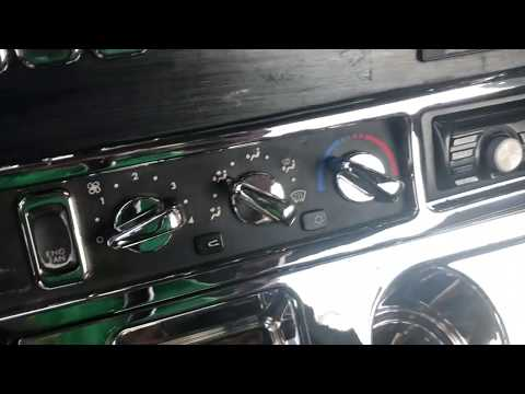 2005 Freightliner Columbia 120 Chrome Dash Accessories