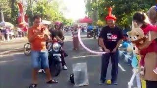 Sedekah Balon Karakter - Balon Gratis Mainan Anak-anak Bersama Badut Upin & Badut Ipin Di CFD