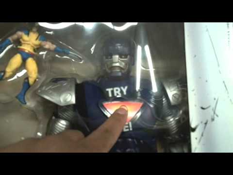 Marvel Universe 16-inch Sentinel At Toys R Us