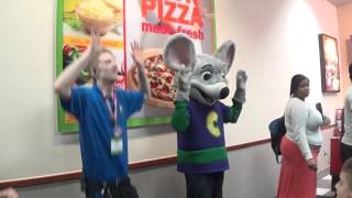 chuck e live show happy dance