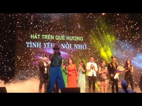 Trường Giang hát trong liveshow Quang Le Hát Trên Quê Hương 5