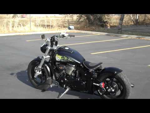 Suzuki 800 M50 Boulevard Bobber Walkaround - YouTube