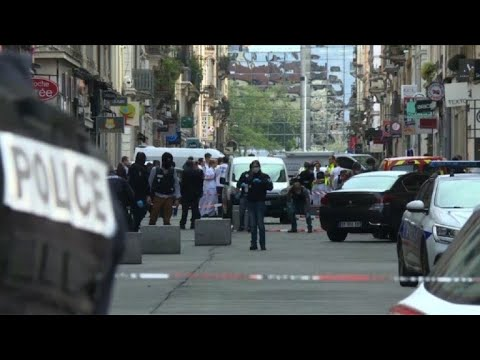 Police, forensics rush to blast site in Lyon
