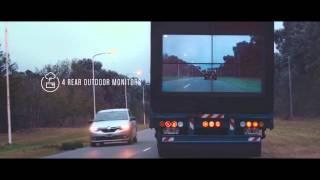 شاهد : سامسونج تضع شاشات عرض في مؤخرة شاحناتها
