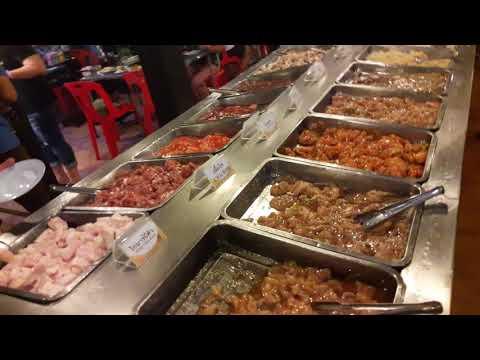 Thai buffet i Hua Hin, 200 Baht. Kr. 38