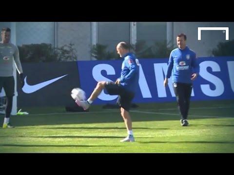 Dunga shows off keepie uppie skills