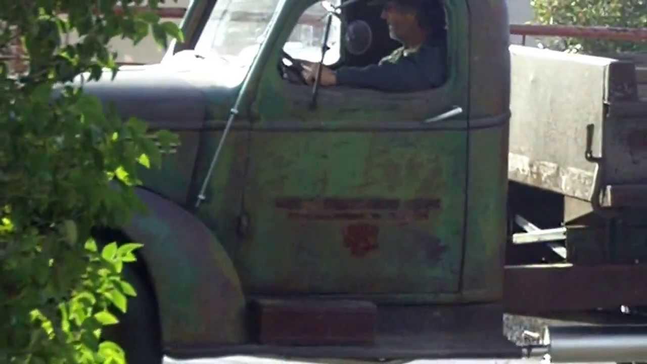 1942 chevy 1-1/2 ton dump truck - YouTube
