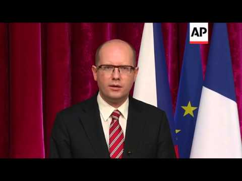 Hollande meets Czech PM Sobotka, says further sanctions on Russia possible