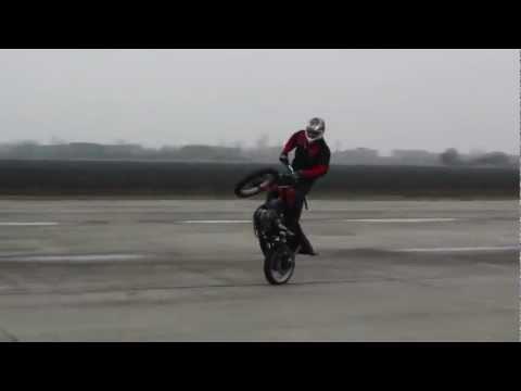 Gangnam style  Mô phỏng bằng Màn biểu diễn motor cực chất