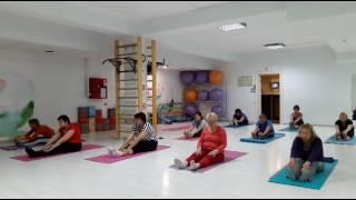 йога онлайн для начинающих йогатерапия как избавиться от боли в спине