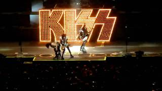 KISS - Intro and Deuce - United Center - Chicago, Illinois 11/06/2009