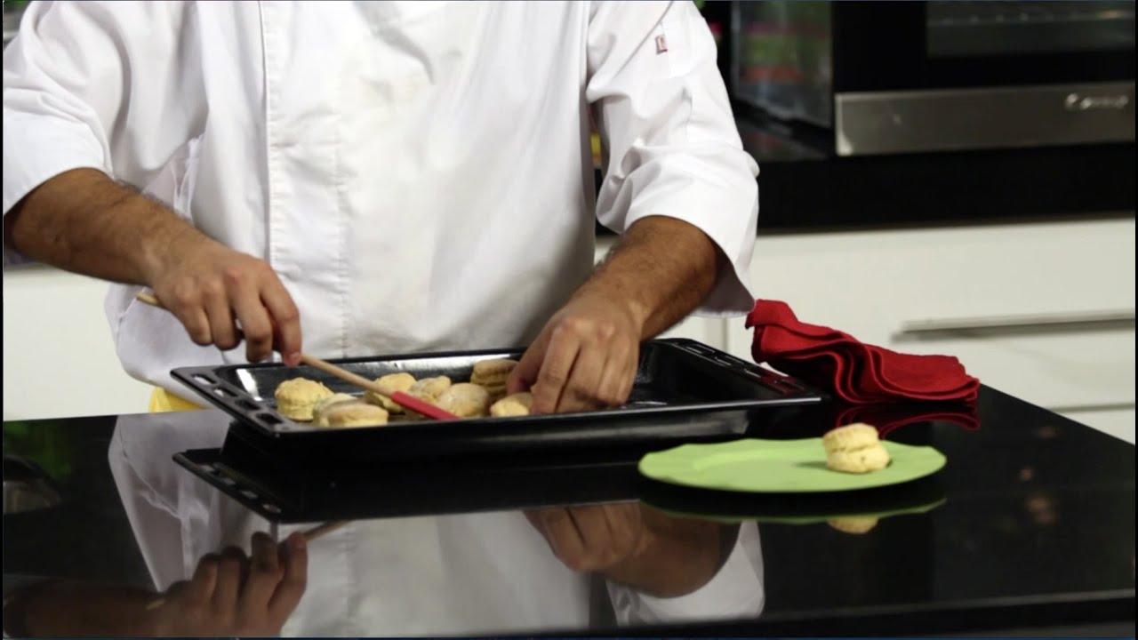 Cocina saludable para ni os scones de albahaca youtube for Cocina saludable