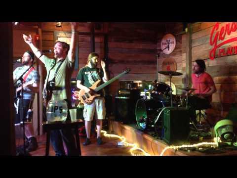 "War Panties cover Led Zeppelin's ""Black Dog"" LIVE at Gerstle's"