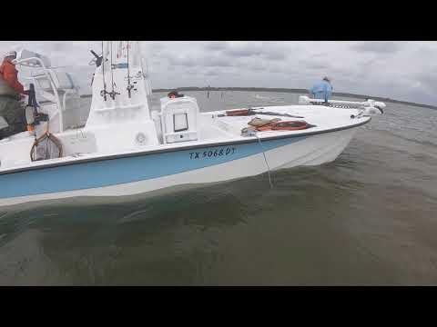 Flat Bottom Vs. Monohull Vs. Catamaran Vs. Tri-hull