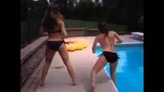 White girl twerking gone bad   Vines #22 #Vine #BestVine #VineCompilation #Vine2014
