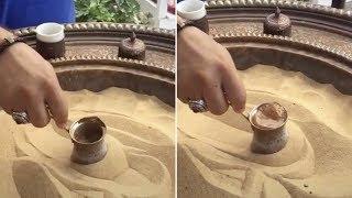 L'art du café turc préparé dans le sable chaud