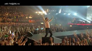 Depeche Mode - Never Let Me Down Again ( Tour of the Universe Live In Barcelona 2009)