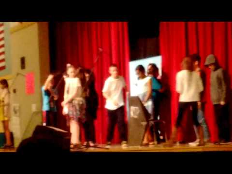 2015-2016 saghalie middle school drama class+band class going crazy