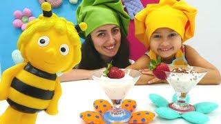 Sevcan Arı Maya için Mini Mutfak'ta çilek tatlısı yapıyor