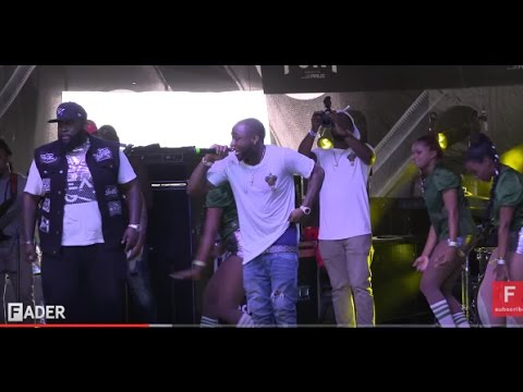 DAVIDO FIGHTS BOUNCER IN LATEST PERFOMANCE