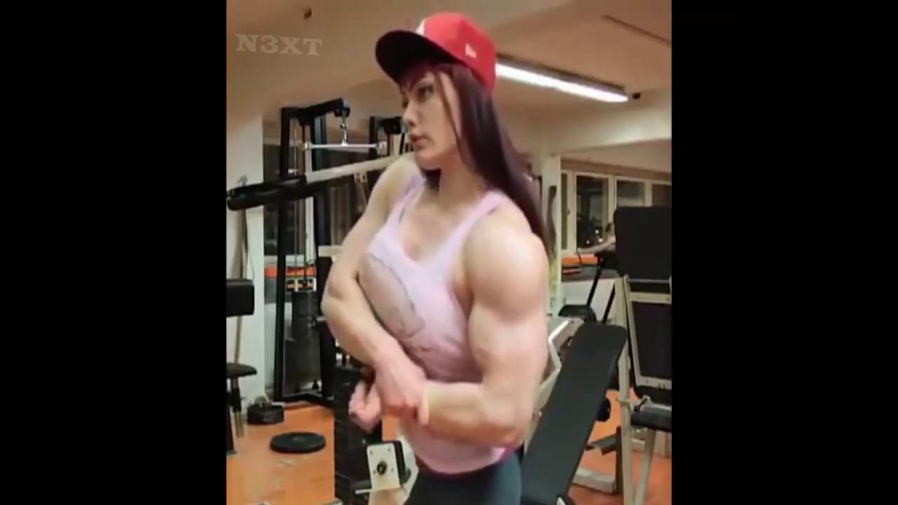 Mujeres Tetudas mujer tetuda mostrando su fisico de hombre