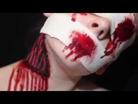 Bloody bandage / Neckwound Halloween makeup