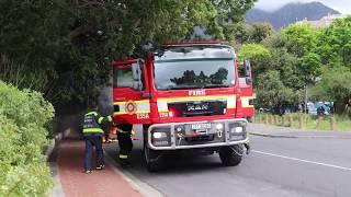 Fire Closes Down Belmont Road, Cape Town. 4K