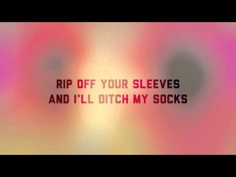 Animal Collective - SUMMERTIME CLOTHES (lyrics video)