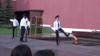 видео смена караула на красной площади