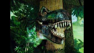 Настя в Музее Динозавров.Они просто огромные и страшные.