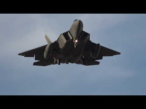 United States Air Force Lockheed Martin F22A Raptors Arrival/Go Arounds at Avalon Airport