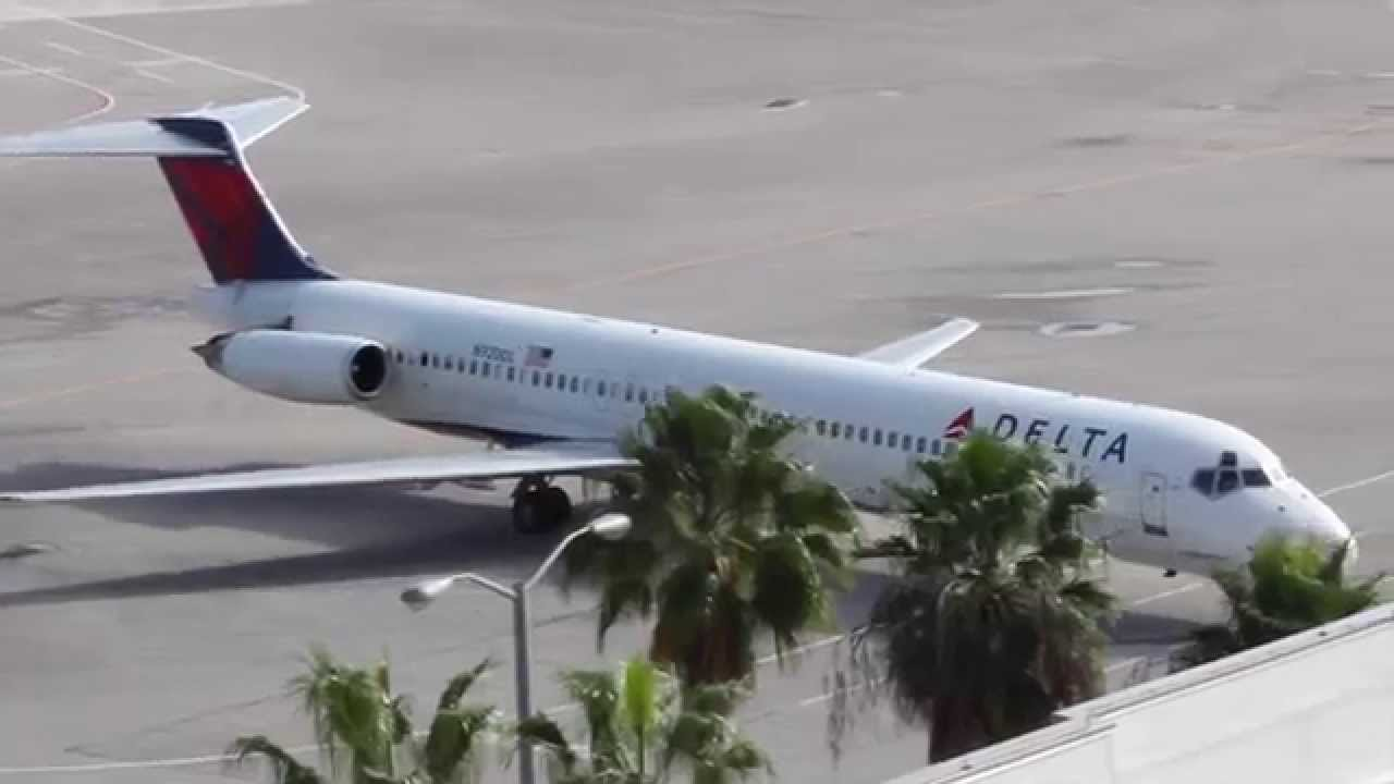 Delta Md 88 Landing And Taxi In West Palm Beach Airport Flight 2607 From Laguardia You