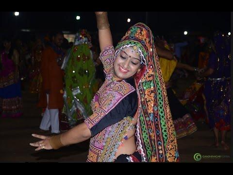 Live Gandhinagar Cultural Forum Navli Navratri 2016: Day 5 Garba by Dipti Desai- Amit Thakkar Group