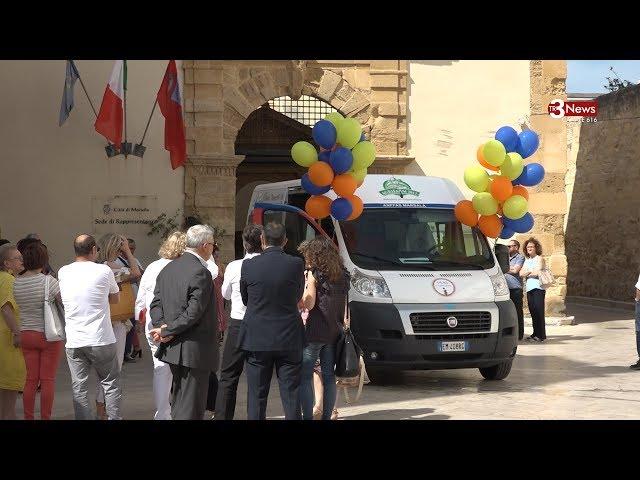 Consegnato all'Anffas di Marsala il primo taxi sociale