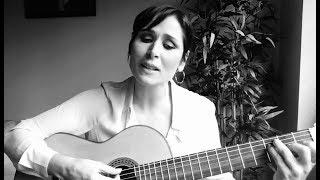 Rosa López interpreta en acústico