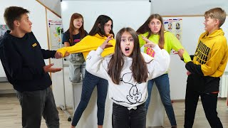 ПОДРУГИ ПОССОРИЛИСЬ! Ева и одноклассники ищут СЕКРЕТ ДРУЖБЫ!