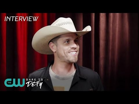iHeartRadio Music Festival 2018 | Backstage with Dustin Lynch | The CW