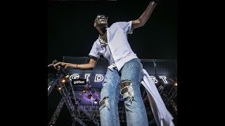 2face makes fans go crazy as he performs his greatest hits shows off his funny dance moves