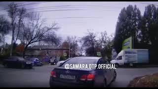Появилось видео момента ДТП на Мирной в Самаре